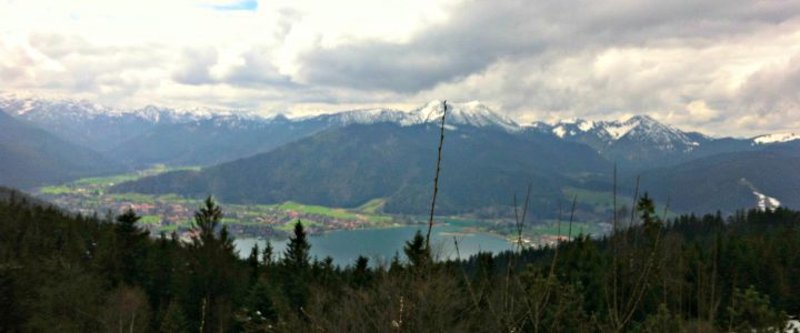 Blick auf den Tegernsee von der Neureuther Hütte