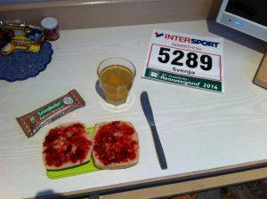 Frühstück vor dem Marathon im Hotelzimmer