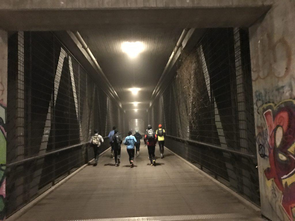 Laufen auf der Großhesseloher Brücke