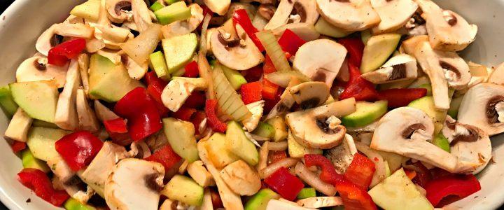 Überbackenes Hähnchen mit Gemüse