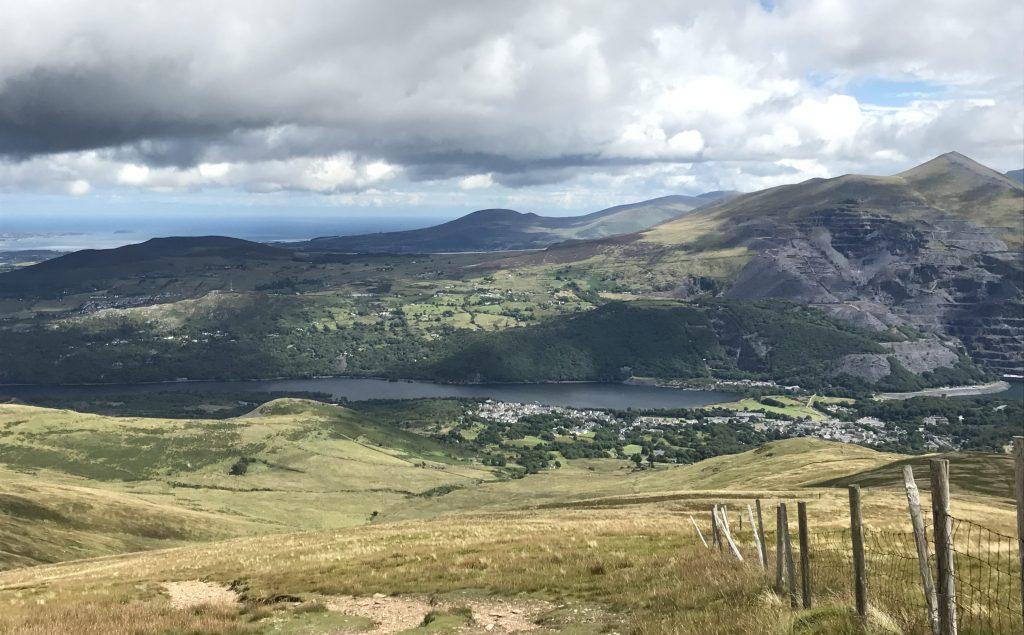 Moel Eilio: Aufstieg, Blick auf Llanberis