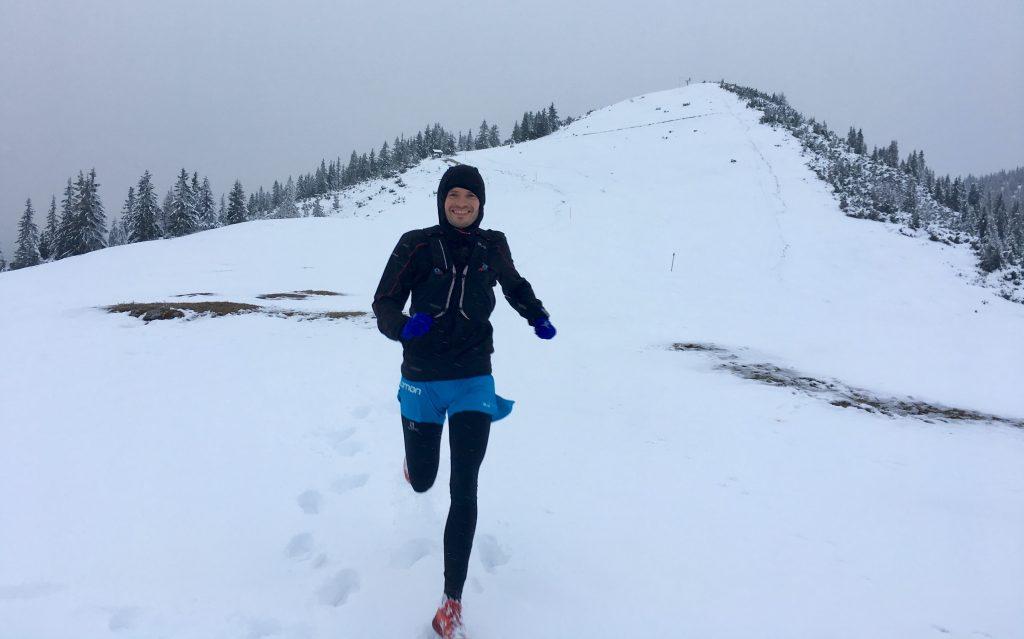 Trailrunner im Schnee