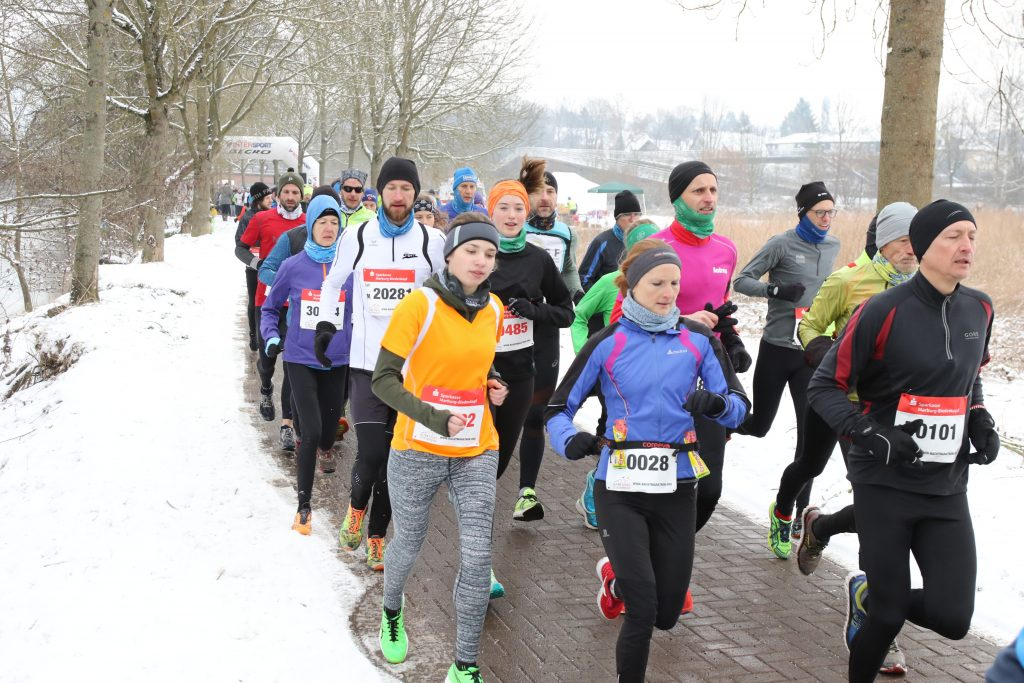 Start des Lahntallaufs in Marburg