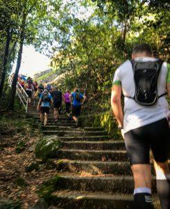 Treppen-Aufstieg beim Ucka Trail