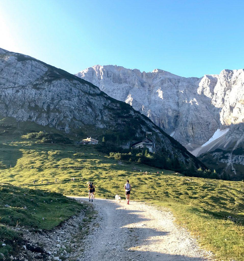 Karwendelmarsch hoch zum Karwendelhaus
