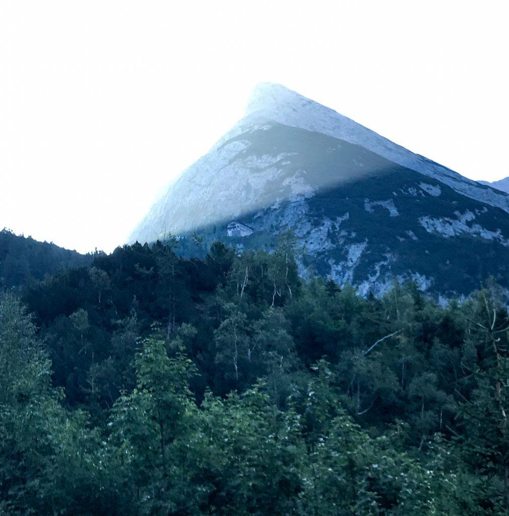 Blick auf das Karwendelhaus