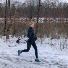 Laufen bei Regen & Schnee: So behaltet ihr trockene Füße